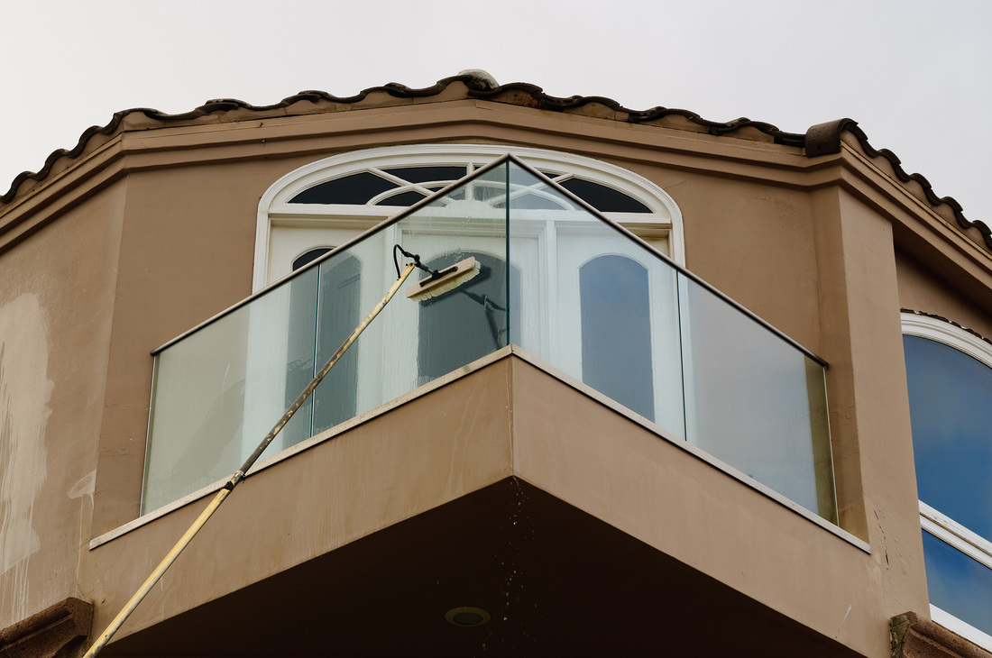 top seattle window cleaner